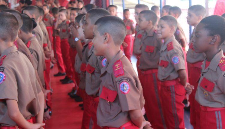 CorpodeBombeiros Militar do Maranhão realiza cerimônia de entrega da Boina aos novos alunos do Colégio Militar