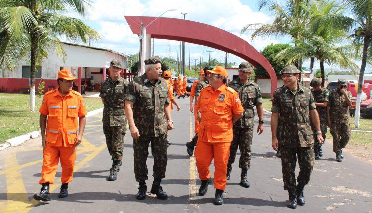 COMANDANTE DA 8ª REGIÃO MILITAR FAZ VISITA AO COMANDO GERAL DO CORPO DE BOMBEIROS MILITAR DO MARANHÃO