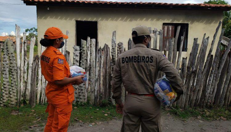 Bombeiros participam de entrega de cestas básicas na cidade se Santo Amaro – MA