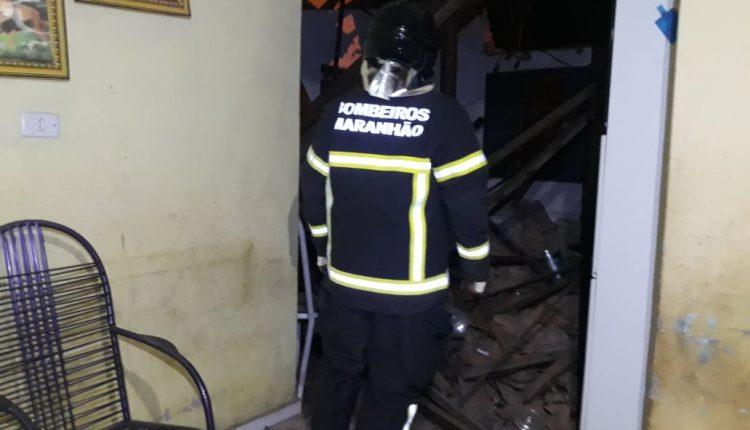 BOMBEIROS ATENDEM OCORRÊNCIA DE DESABAMENTO EM CODÓ