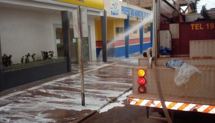 Bombeiros realizam operação de desinfecção em locais públicos no município de Bacuri